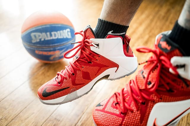The 10 Best Basketball Shoes for Ankle Support 2017 | High Tops ...